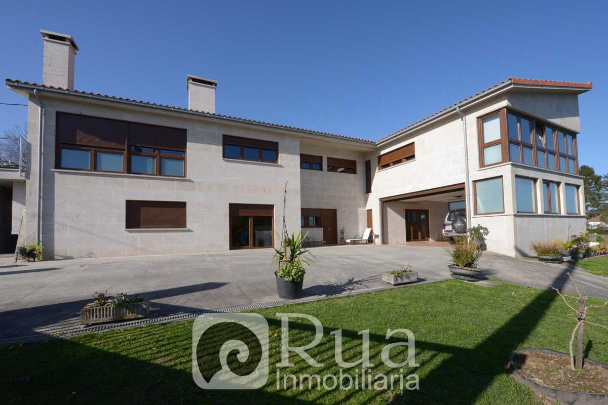 CHALET VENTA CULLEREDO, 3 HABITACIONES, 3 BAÑOS, FINCA 1125 m²