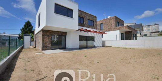 chalets a estrenar en Guísamo, 4 habitaciones, aerotermia, excelentes calidades