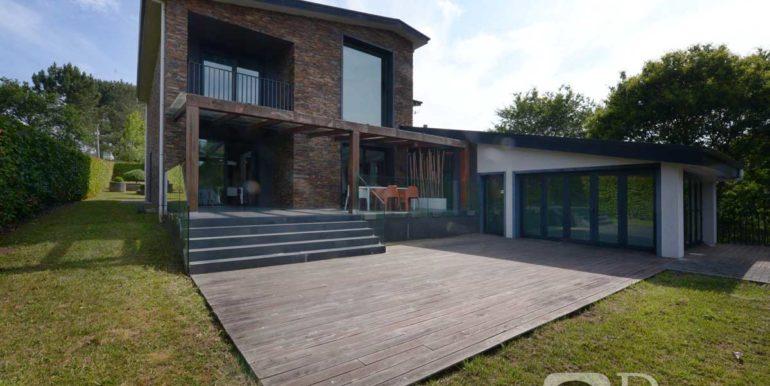 Chalet de lujo en Carballo, piscina interior, finca 2500 m2