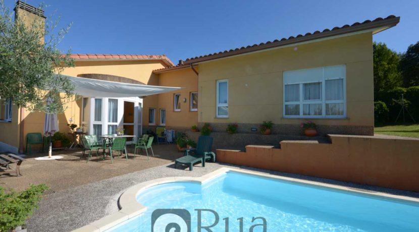 chalet venta Cambre, 5 habitaciones, gran finca ajardinada, piscina