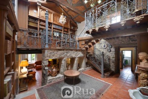 casa de piedra rehabilitada en venta Arteixo