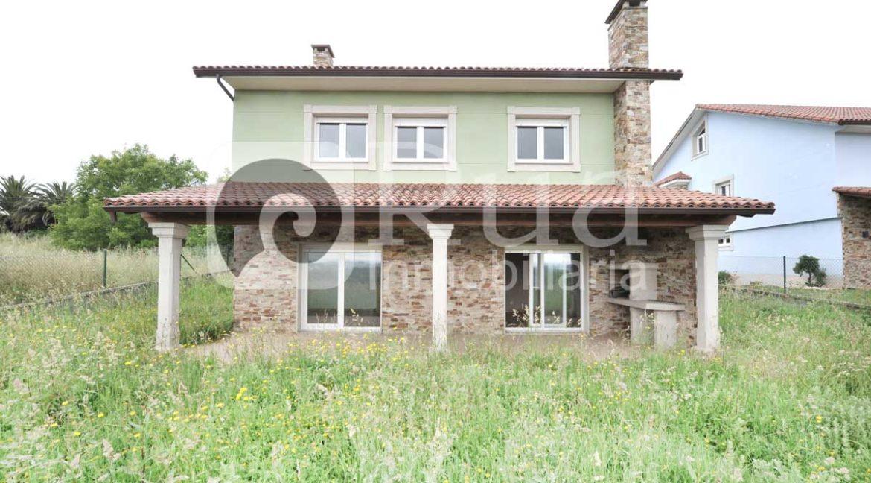 chalet venta Cambre, 4 habitaciones, porche, finca 600 m2